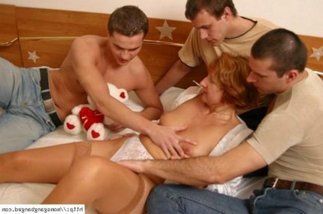 Студенты трое секс фото 28-407