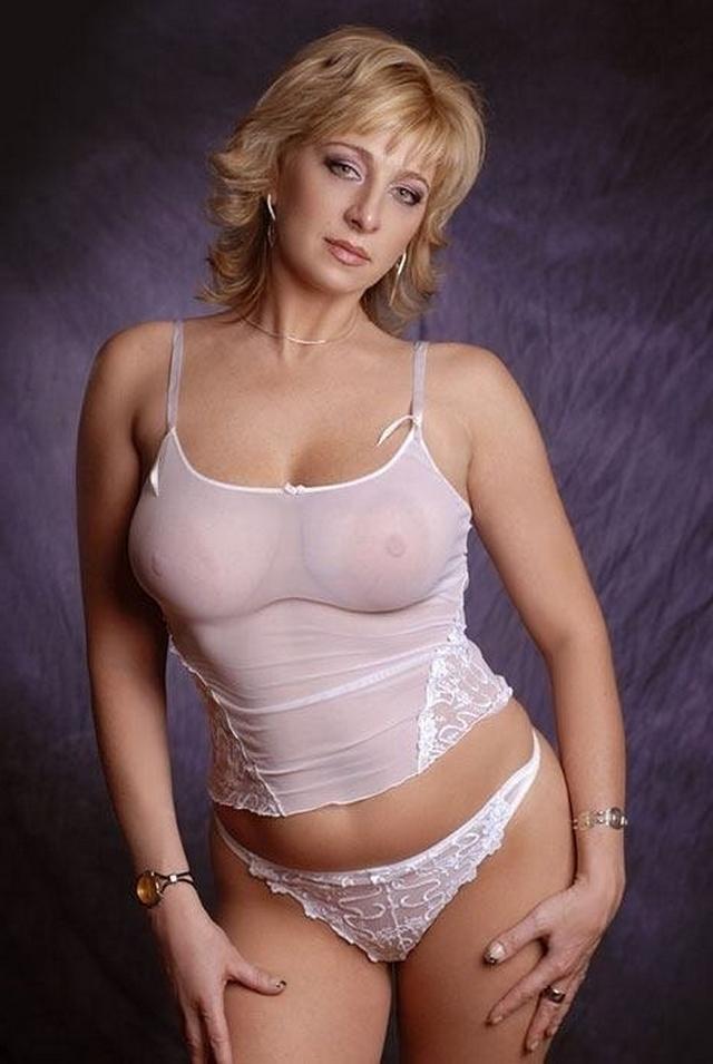 Сексуальная мамаша в возрасте